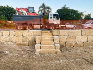 C grade sandstone retaining wall, rock wall Gold Coast, sandstone steps